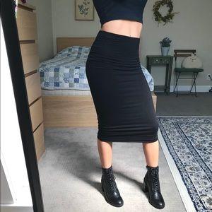 Classic Black Midi Pencil Skirt
